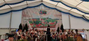 150 Jahr-Feier der Freiwilligen Feuerwehr Isen - die Fahnenabordnung der Liedertafel Isen war mit dabei